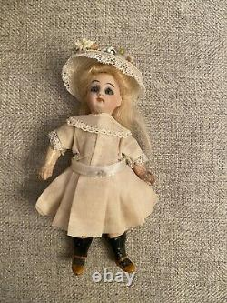 All Original Antique 5 Doll Mignonette Size With Sheep And Box French Face