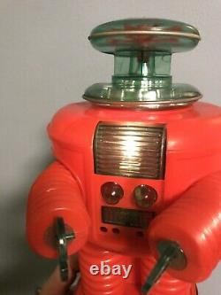Lost In Space Robot REMCO vintage 1966 RARE ALL RED WITH ORIGINAL BOX
