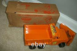 Tonka land rover with box and plow and carrige all original very hard to find